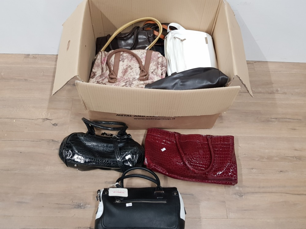Lot 339 - A LARGE BOX CONTAINING A SUBSTANTIAL AMOUNT OF LADIES HANDBAGS