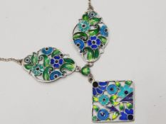 STERLING SILVER AND ENAMEL NECKLACE, BEAUTIFULLY MADE AND IN EXCELLENT CONDITION