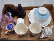12 MIXED ITEMS OF GLASS AND CERAMICS INCLUDING CAITHNESS GLASS X3, VILLEROY AND BOCH X2, MALING X2,