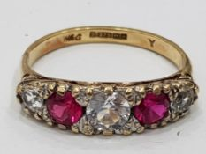 9CT YELLOW GOLD PINK AND WHITE STONE RING, 3G SIZE O1/2