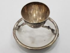 ANTIQUE SILVER PLATED EGG CUP ON MOUNTED DISH BY HUKIN AND HEATH, 1875-1879 H AND H MARKINGS