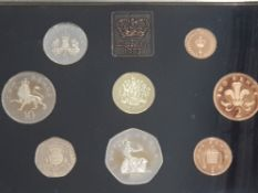 8 PROOF COINS 1983 YEARLY SET IN BLUE CASE B UNC C.O.A