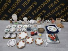 VARIOUS CERAMIC ITEMS INCLUDING SHELLEY TEA POT, TOBY JUG AND 4 PIECES OF OLD COUNTRY ROSES