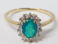 A 9CT YELLOW GOLD GREEN AND WHITE STONE RING SIZE R 1/2 2.1G GROSS