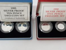 1990 ROYAL MINT TWO COIN 5P SILVER PROOF SET TOGETHER WITH 1992 ROYAL MINT 2 COIN 10P SET BOTH IN