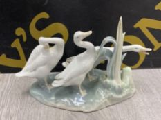 LLADRO GROUP FIGURE 4549 THREE GEESE