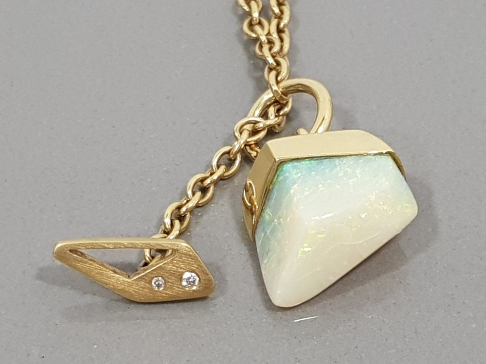 18CT YELLOW GOLD OPAL AND DIAMOND ORNATE PENDANT WITH T BAR STYLE FASTENING COMPLETE WITH BELCHER - Image 2 of 2