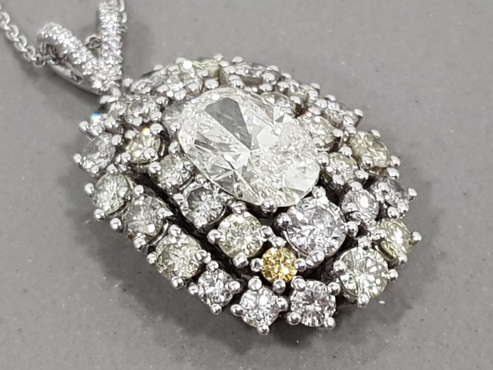 BEAUTIFUL 18CT WHITE GOLD DIAMOND CLUSTER PENDANT 6.5CTS TOTAL COMPRISING OF A 2CT OVAL DIAMOND - Image 2 of 3