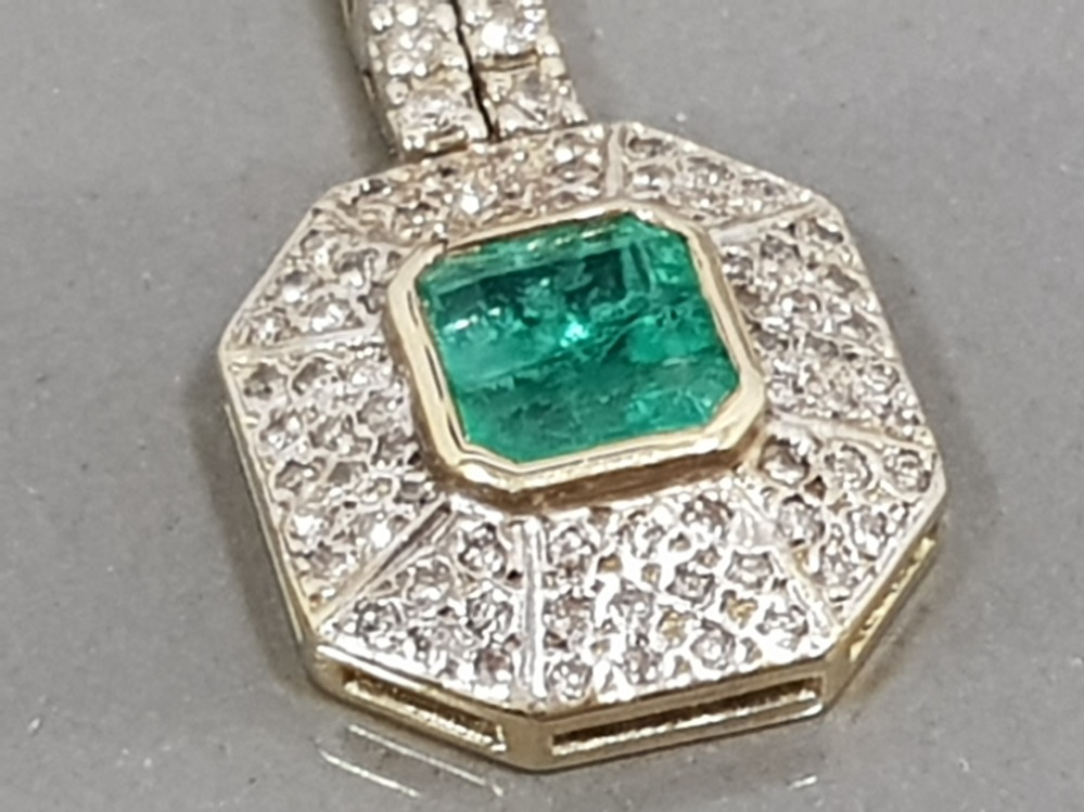 14CT YELLOW GOLD EMERALD AND DIAMOND DROP EARRINGS COMPRISING OF A CIRCLE DIAMOND WITH EMERALD - Image 3 of 3