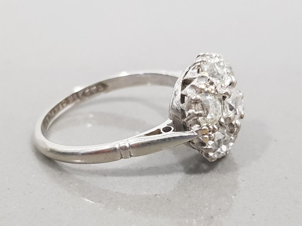 18CT WHITE GOLD & PLATINUM 7 STONE DIAMOND CLUSTER RING 3G SIZE J - Image 2 of 2