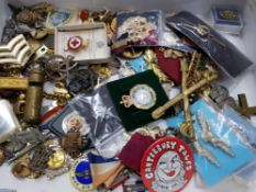 MAINLY MILITARY MISCELLANEOUS ACCUMULATION IN BOX MANY BADGES CAP BADGES LAPEL BADGES MEDALS