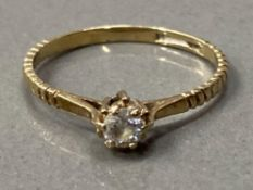 9CT GOLD CZ SOLITAIRE RING 1.9G SIZE N
