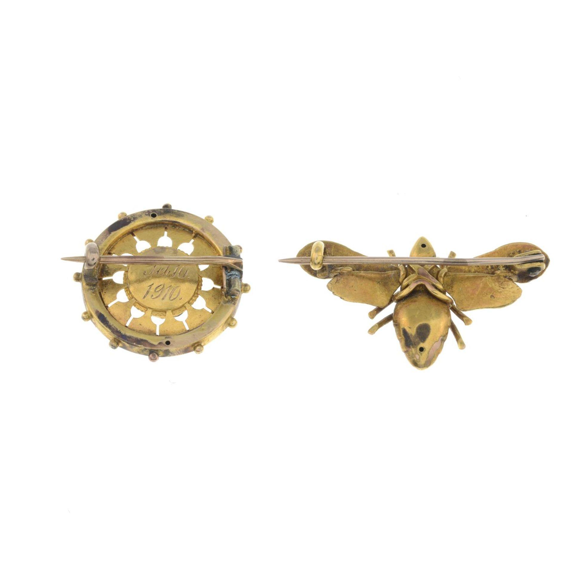 Edwardian gold pyrite circular brooch, - Bild 2 aus 2