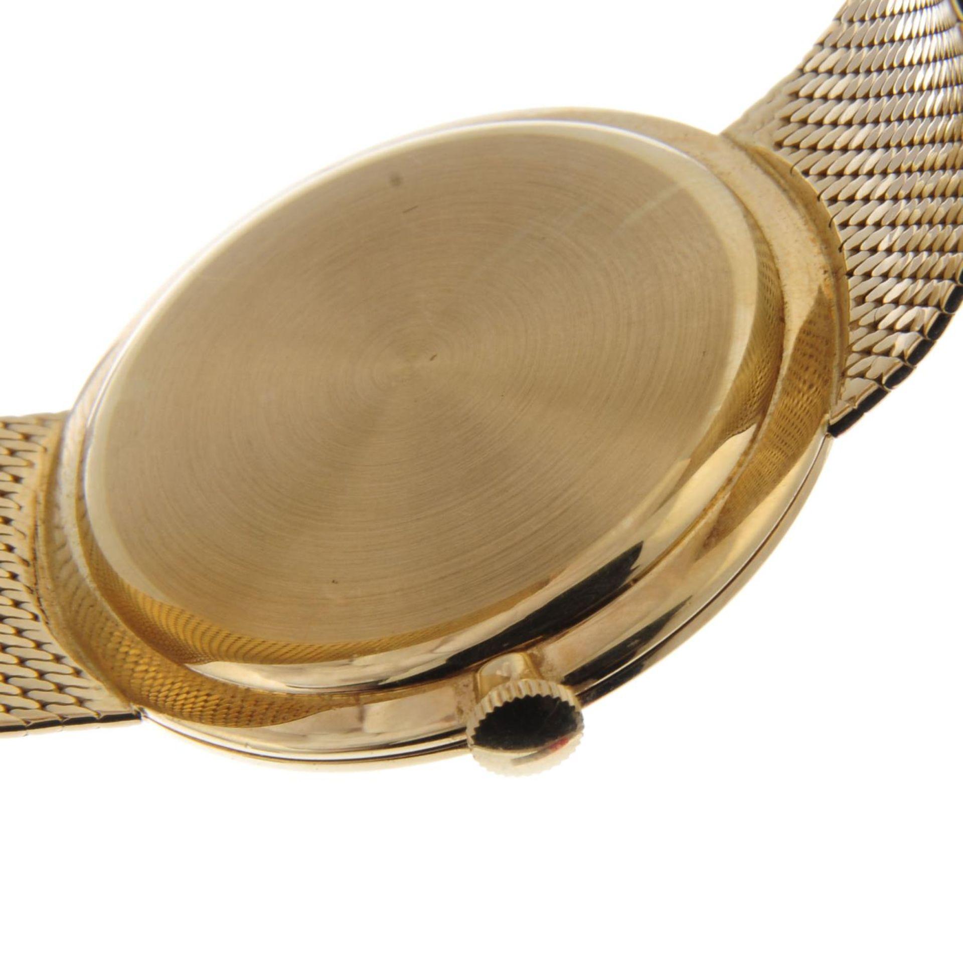 Los 35 - IWC - a gentleman's bracelet watch.