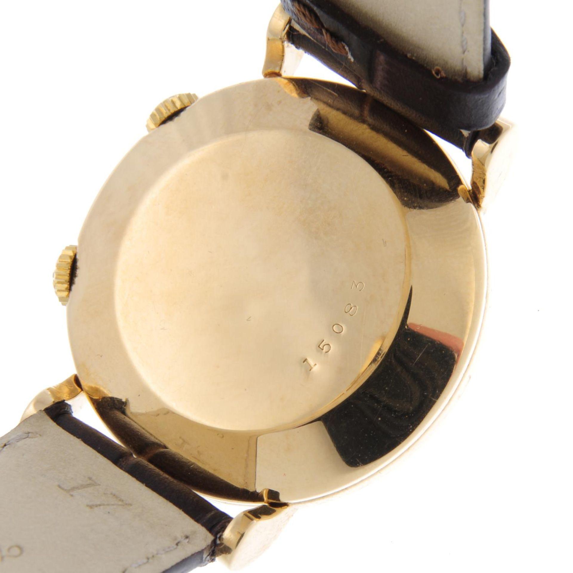 Los 40 - JAEGER-LECOULTRE - a gentleman's Memovox alarm wrist watch.