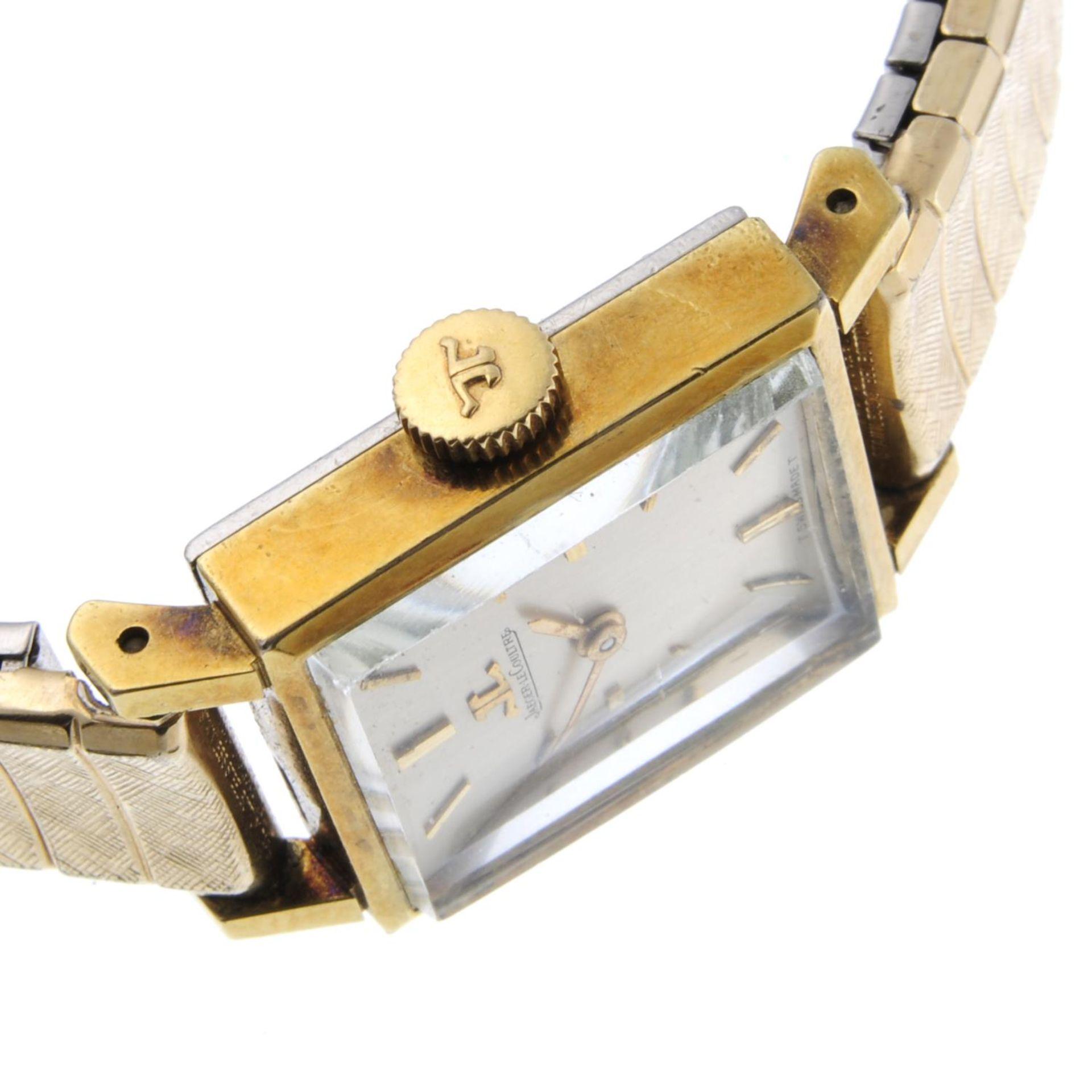 Los 37 - JAEGER-LECOULTRE - a lady's bracelet watch.