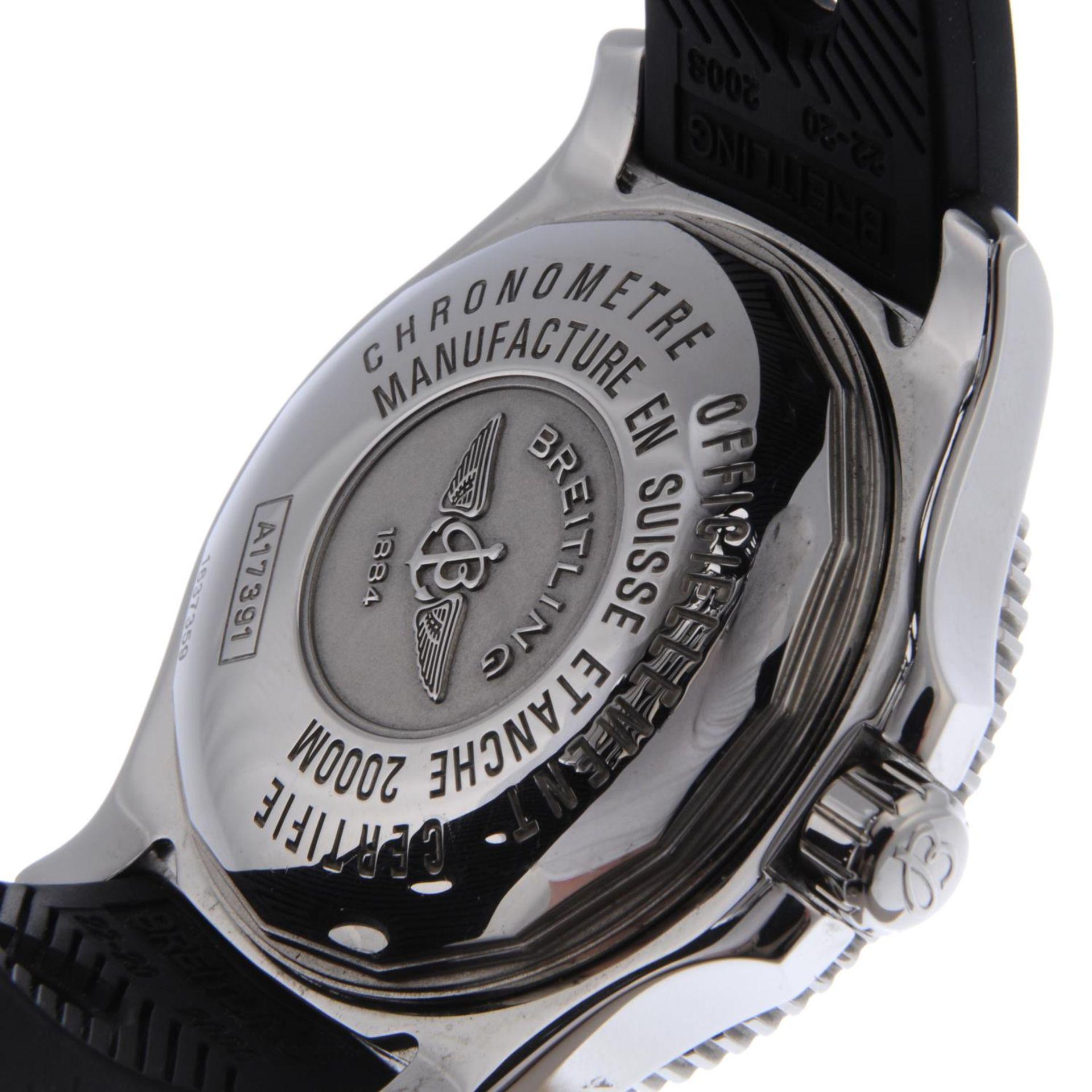 Los 6 - BREITLING - a gentleman's SuperOcean 44 wrist watch.
