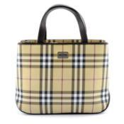 BURBERRY - a Nova Check handbag.