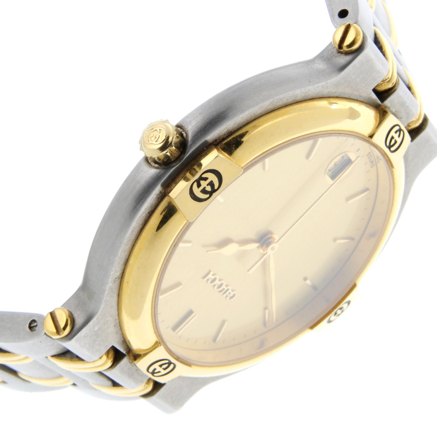 GUCCI - a mid-size 9000G bracelet watch. - Image 3 of 4