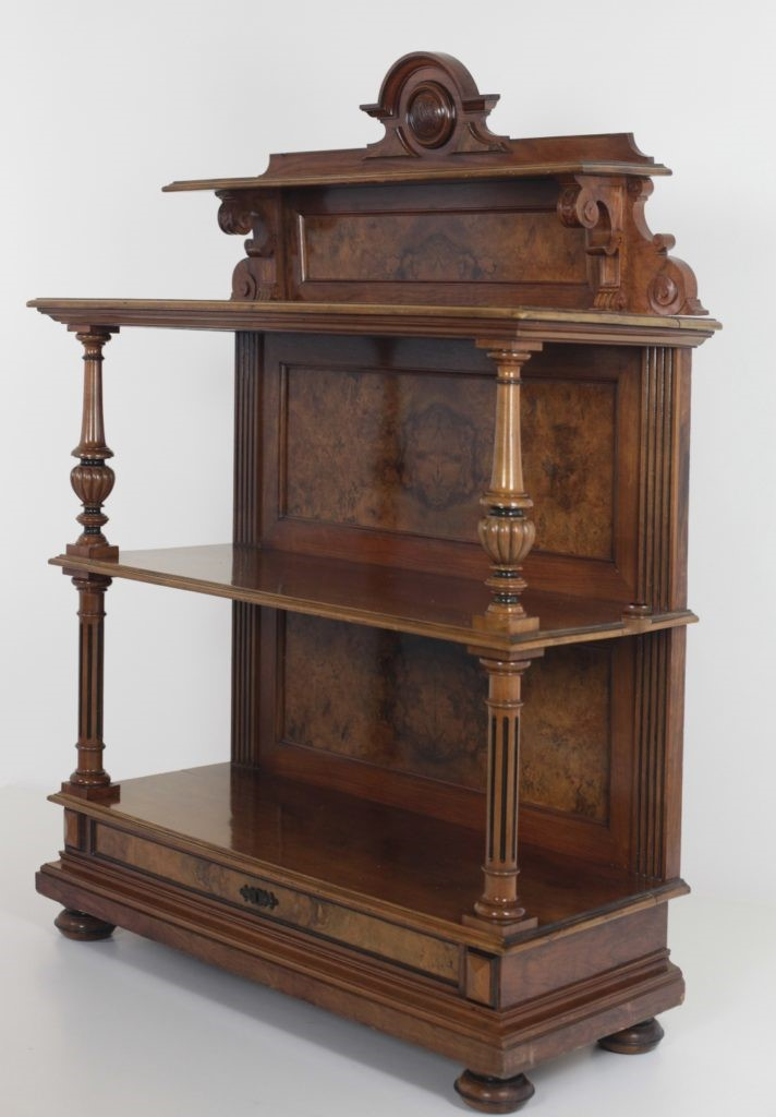 Lot 192 - A fine quality Victorian walnut and crossbanded Buffet, in the style of Lamb of Manchester,