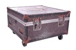 """Bernie Marsden & Whitesnake - heavy duty flight case on wheels, 19.5"""" high, 32.5"""" wide, 31"""" deep *"""