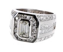 Impressive 14ct white gold diamond unisex dress ring, the emerald-cut centre diamond 1.25ct