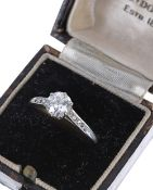Good platinum solitaire diamond ring with set shoulders, Old-European-cut, 1.10ct approx, clarity