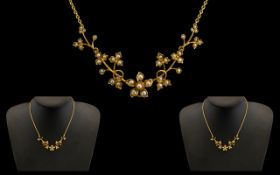 Antique Period Ladies Pretty 9ct Gold Attractive Necklace set with seed pearls shamrock flower