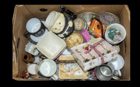 A Mixed Lot of Collectables to include b