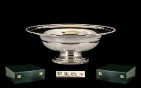 Elizabeth II - Good Quality Contemporary Design Solid Silver Pedestal Comport / Fruit Bowl of