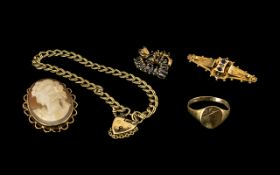 A Small Collection of 9ct Gold Jewellery ( 6 ) Items In Total.