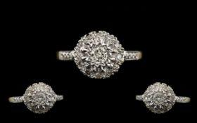18ct Gold Nice Looking Diamond Set Ring - Flower head Setting. Hallmark Birmingham 1965, Marked