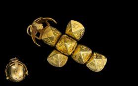 Masonic Ball/Orb Opens up to Reveal Masonic Symbols - 9ct Mount with Gilt Ball.