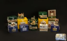 A Collection of Lilliput Lane Cottages. Some with original boxes.