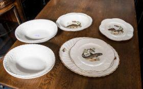 Shelley Ware Five Piece Fish Set compris
