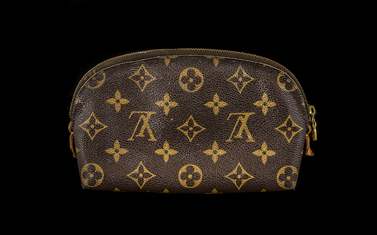 Lot 1500 - Louis Vuitton Ladies Make-up Bag, The In