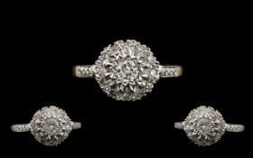 18ct Gold Nice Looking Diamond Set Ring - Flowerhead Setting. Hallmark Birmingham 1965, Marked 750 -