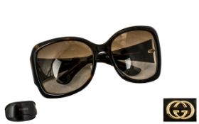 Gucci Vintage Pair of Black Colourway Sunglasses with Gucci logo in gold to sides and matching