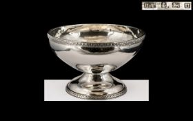 Arts & Crafts Style Mid-20th Century Hand Crafted Superior Quality Sterling Silver Pedestal Bowl