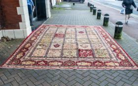 A Genuine Excellent Quality Vintage Sarouk Persian Rug/Carpet As new condition.