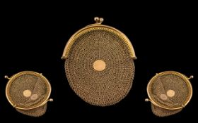 Antique Period - Superb Quality Ladies 9ct Gold Sovereign Mesh Purse, Closes with a Ball Snap Clasp,