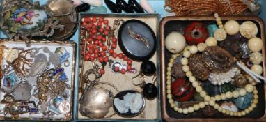 A quantity of assorted jewellery including coral necklace, Victorian mourning brooch, lockets,