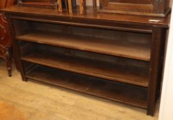 An oak open bookcase fitted two shelves W.170cm