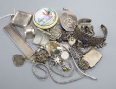 Mixed jewellery and silver including an enamelled compact(a.f.), silver travelling watch, silver