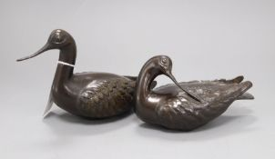 Two Thai bronze models of avocets, by Hattakitkosol Somchai, one dated '55 height 14cm