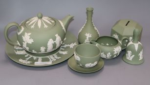 Assorted ceramics including Continental porcelain and Wedgwood jasperwares