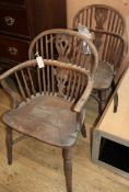A pair of 19th century elm and beech Windsor elbow chairs (a.f.)