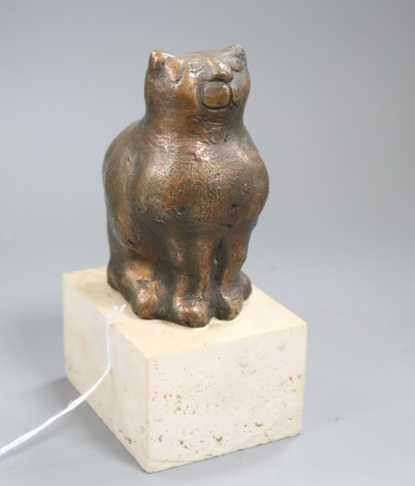 Lot 93 - Oreste Dequel. A bronze of a cat, signed, 3/6 height 16cm