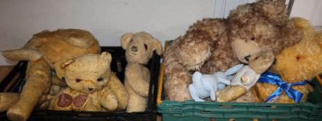 A quantity of mixed teddy bears