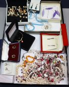Mixed jewellery including 9ct earrings, cultured pearls etc.